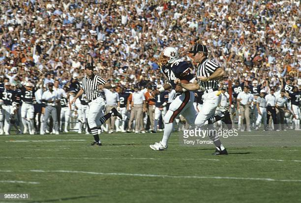 Auburn Bo Jackson in action rushing vs Florida Gainesville FL CREDIT Tony Tomsic