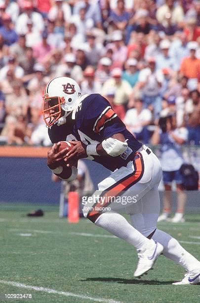 Auburn Bo Jackson in action rushing vs Texas Auburn AL 9/17/1983 CREDIT John Iacono 001303719