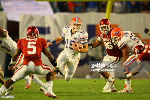 BCS National Championship Florida QB Tim Tebow in action vs Oklahoma Miami FL 1/8/2009 CREDIT Damian Strohmeyer
