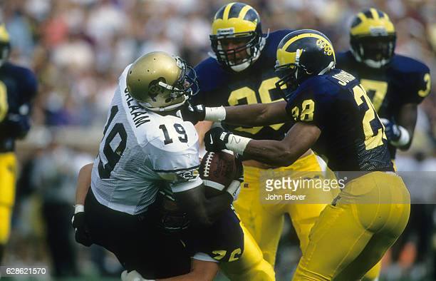 Colorado Rashaan Salaam in action rushing vs Michigan at Michigan Stadium Ann Arbor MI CREDIT John Biever