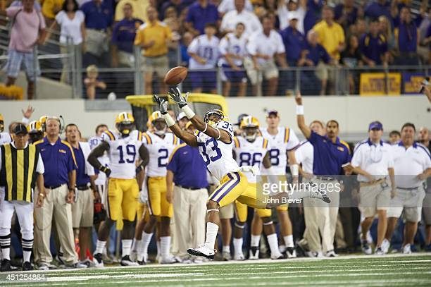 Cowboys Classic LSU Odell Beckham Jr in action making catch vs Oregon at Cowboys Stadium Arlington TX CREDIT John Biever