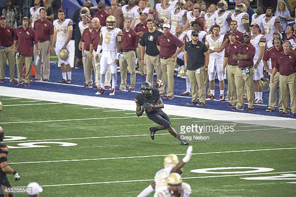 Cowboys Classic Oklahoma State James Washington in action making catch vs Florida State at ATT Stadium Arlington TX CREDIT Greg Nelson