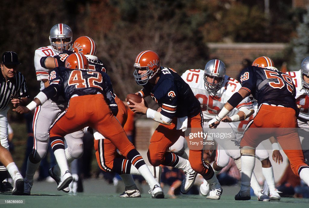 college-football-illinois-qb-tony-eason-in-action-vs-ohio-state-at-picture-id158285933