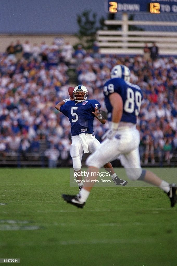 Kentucky Qb Antonio O Ferral In Action Making Pass Vs South