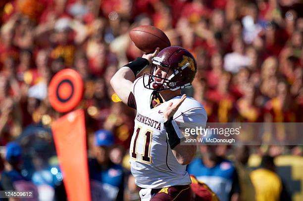 Minnesota QB Max Shortell in action passing vs USC at Los Angeles Memorial Coliseum Los Angeles CA CREDIT John W McDonough