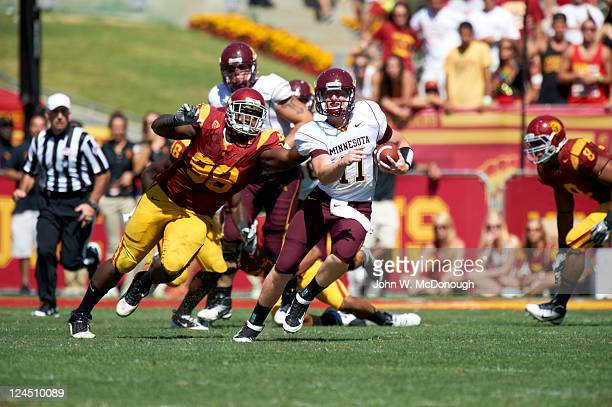 Minnesota QB Max Shortell in action vs USC DaJohn Harris at Los Angeles Memorial Coliseum Los Angeles CA CREDIT John W McDonough