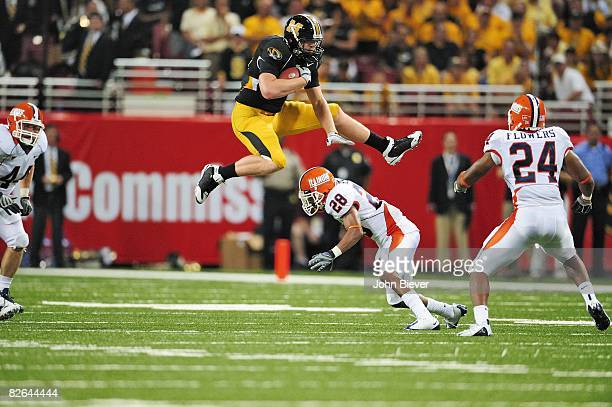 Missouri Chase Coffman in action jumping over Illinois Dere Hicks St Louis MO 8/30/2008 CREDIT John Biever