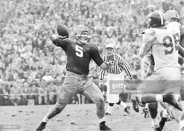 Notre Dame QB Paul Hornung in action pass vs Michigan State South Bend IN CREDIT John G Zimmerman 017053084