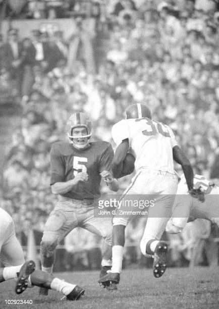 Notre Dame QB Paul Hornung in action vs Michigan State South Bend IN CREDIT John G Zimmerman 079007332