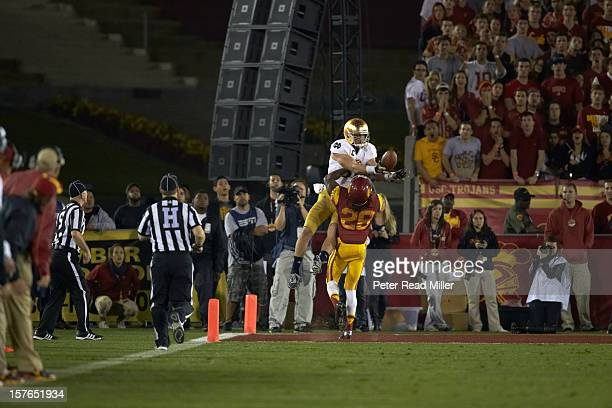 Notre Dame Tyler Eifert in action vs USC Josh Shaw at Los Angeles Memorial Coliseum Los Angeles CA CREDIT Peter Read Miller