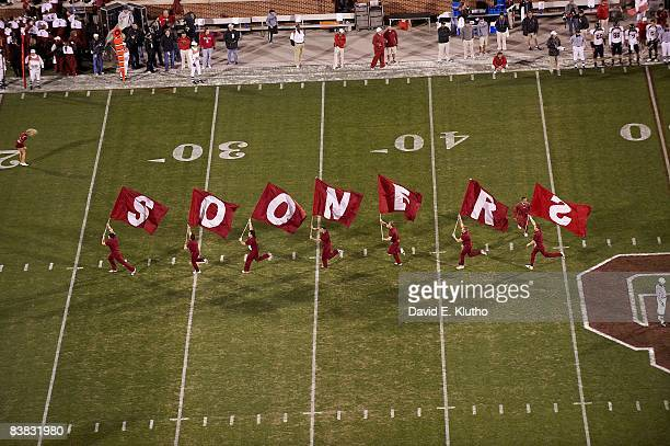 Oklahoma cheerleaders during game vs Texas Tech Norman OK CREDIT David E Klutho