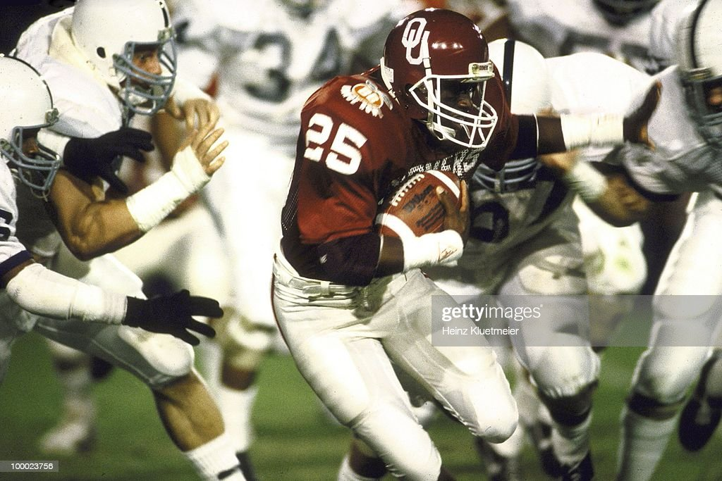 Oklahoma Anthony Stafford (25) in action, rushing vs Penn State. Miami, FL 1/1/1986