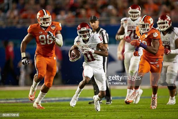 Orange Bowl: Oklahoma Dede Westbrook in action, passing vs Clemson during College Football Playoff Semifinal at Sun Life Stadium. Miami Gardens, FL...