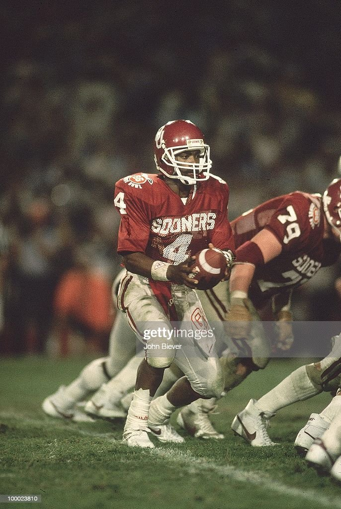 Oklahoma Jamelle Holieway (4) in action vs Penn State. Miami, FL 1/1/1986