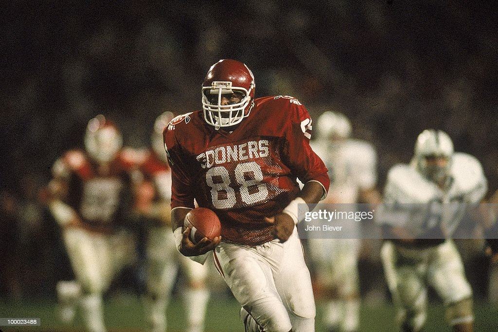 Oklahoma Keith Jackson (88) in action vs Penn State. Miami, FL 1/1/1986
