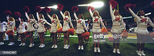 Orange Bowl Panoramic view of USC cheerleaders during BCS Championship game vs Oklahoma at Pro Player Stadium Miami Gardens FL CREDIT Neil Leifer