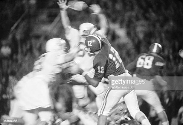 Orange Bowl Rear view of Alabama QB Joe Namath in action pass vs Texas Miami FL 1/1/1965 CREDIT Walter Iooss Jr