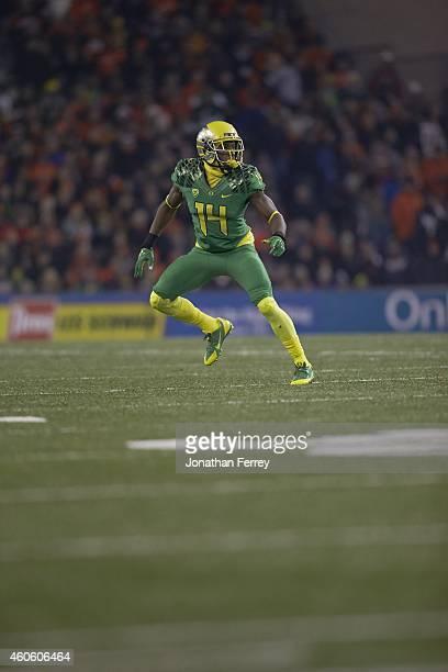 Oregon Ifo EkpreOlomu in action defense vs Oregon State at Reser Stadium Corvallis OR CREDIT Jonathan Ferrey