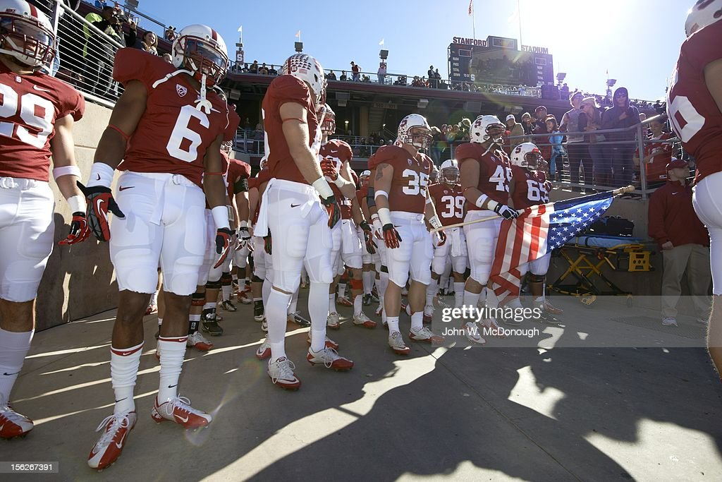 Overall view of Stanford players in tunnel before game vs Oregon State at Stanford Stadium. John W. McDonough F30 )