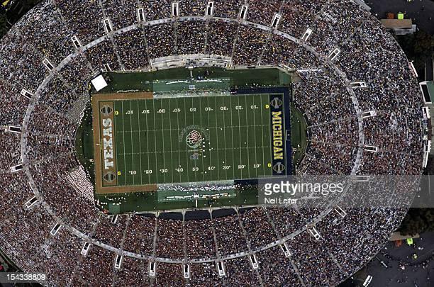 Rose Bowl Aerial view of Rose Bowl Stadium during Michigan vs Texas game Pasadena CA CREDIT Neil Leifer