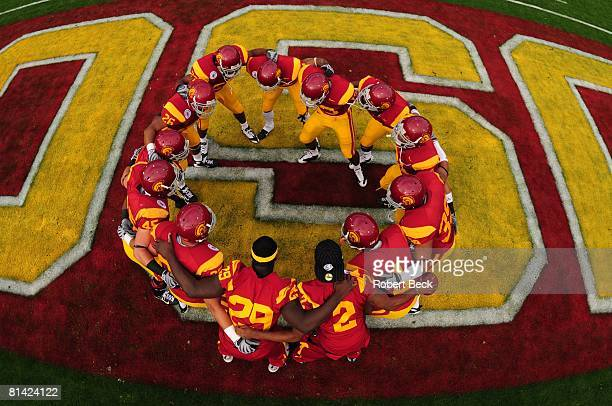 College Football Rose Bowl Aerial view of USC in endzone huddle during game vs Illinois Pasadena CA 1/1/2008