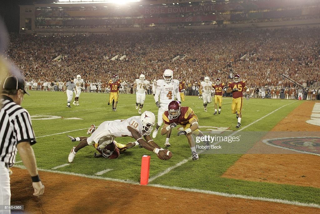Texas QB Vince Young, 2006 Rose Bowl : News Photo