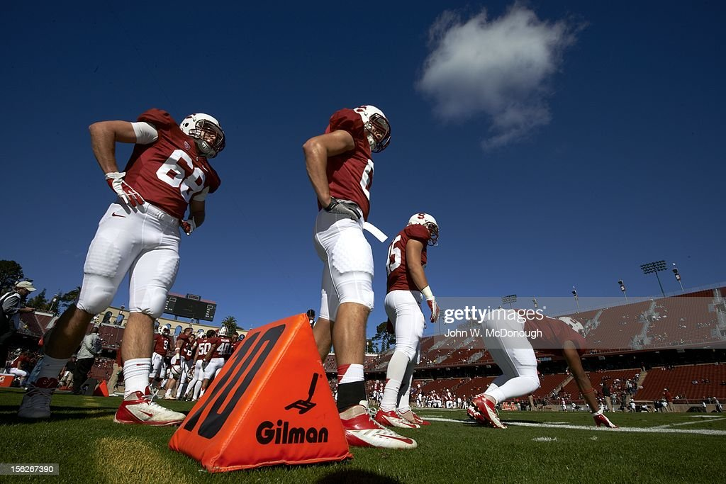 Stanford Sam Yules (68) and teammates on field during warmups before game vs Oregon State at Stanford Stadium. John W. McDonough F6 )
