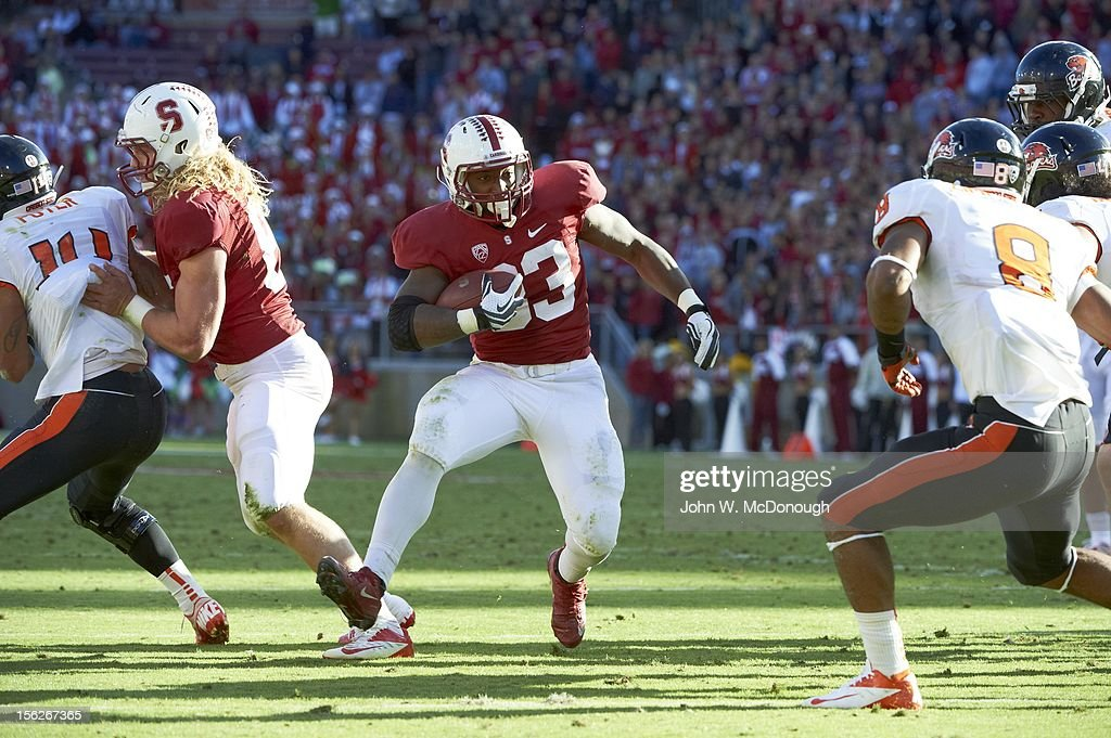 Stanford Stepfan Taylor (33) in action, rushing vs Oregon State at Stanford Stadium. John W. McDonough F594 )