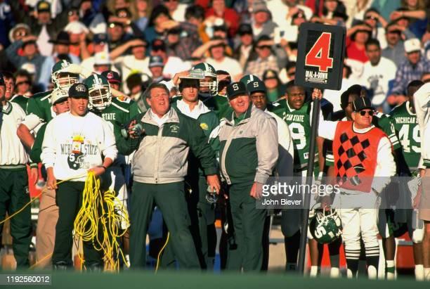 Sun Bowl Michigan State head coach George Perles on sidelines during game vs USC at Sun Bowl Stadium El Paso TX CREDIT John Biever