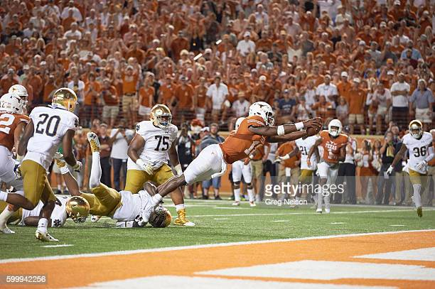 Texas Tyrone Swoopes in action, scoring game winning touchdown vs Notre Dame at Darrell K. Royal-Texas Memorial Stadium. Austin, TX 9/4/2016 CREDIT:...