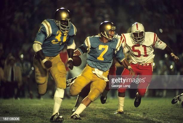 UCLA QB Mark Harmon in action vs Nebraska at Rose Bowl Stadium Pasadena CA CREDIT George Long