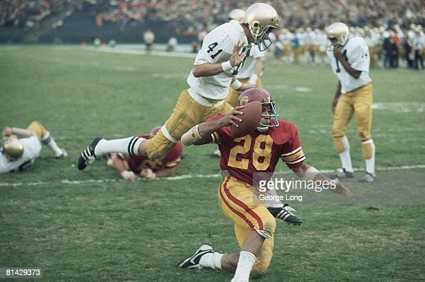 College Football: USC Anthony Davis in action vs Notre Dame, Los Angeles, CA