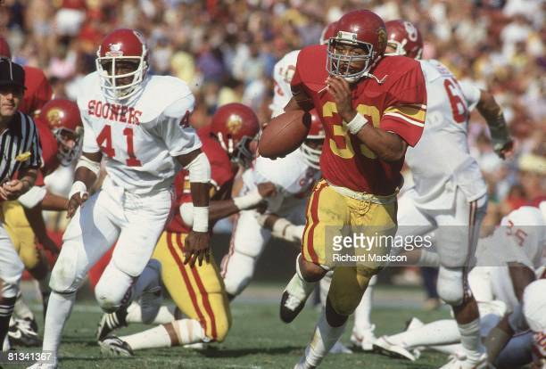 College Football USC Marcus Allen in action rushing vs Oklahoma Los Angeles CA 9/26/1981