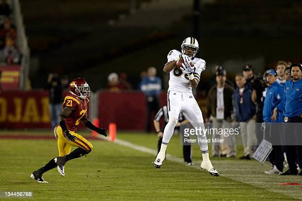 USC Nelson Rosario in action making catch vs UCLA at Los Angeles Memorial Coliseum Los Angeles CA CREDIT Peter Read Miller