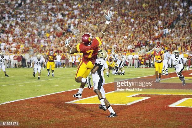 College Football USC Vidal Hazelton in action making catch and scoring touchdown vs University of Idaho Breyon Williams Los Angeles CA 9/1/2007