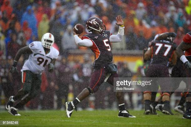 Virginia Tech QB Tyrod Taylor in action, pass vs Miami. Blacksburg, VA 9/26/2009 CREDIT: Bob Rosato