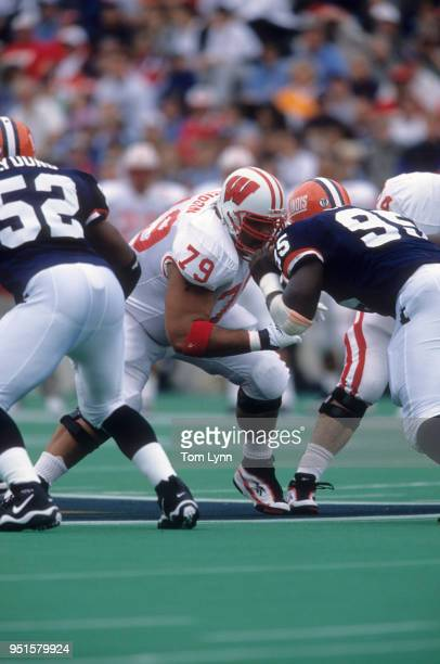 Wisconsin Aaron Gibson in action vs Illinois at Memorial Stadium Champaign Champaign IL CREDIT Tom Lynn