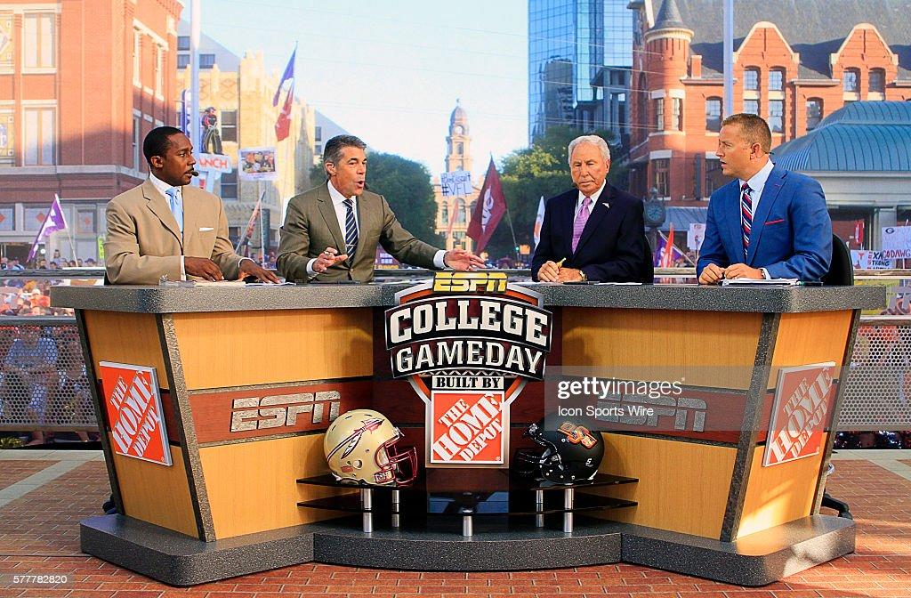 NCAA FOOTBALL: AUG 30 ESPN College GameDay : Foto jornalística