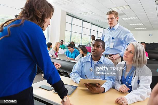 student Anmeldung für die medizinische Pflegepersonal seminar oder Klasse