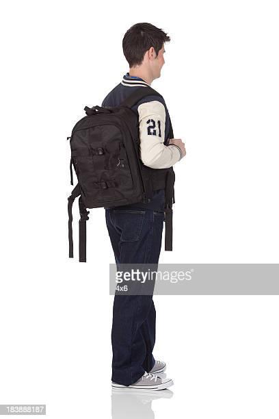 student stehend mit Tasche