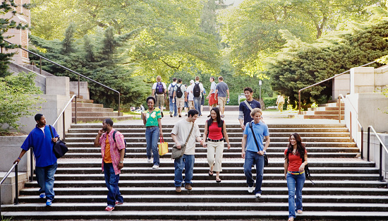 College students descending stairs - gettyimageskorea