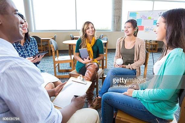 College students participate in support group