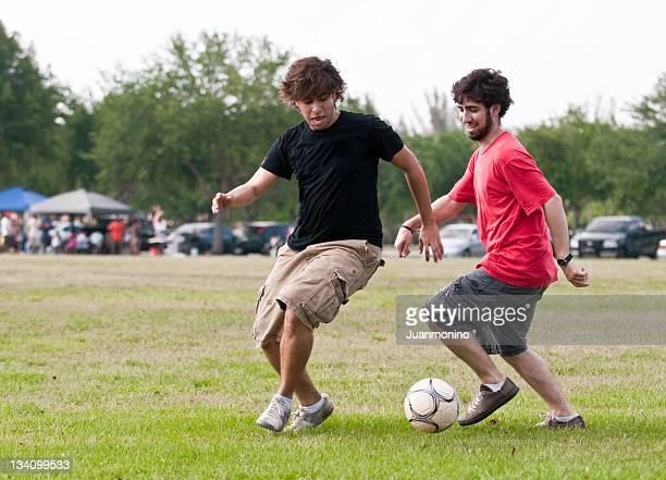 College-Studenten Spielen im park
