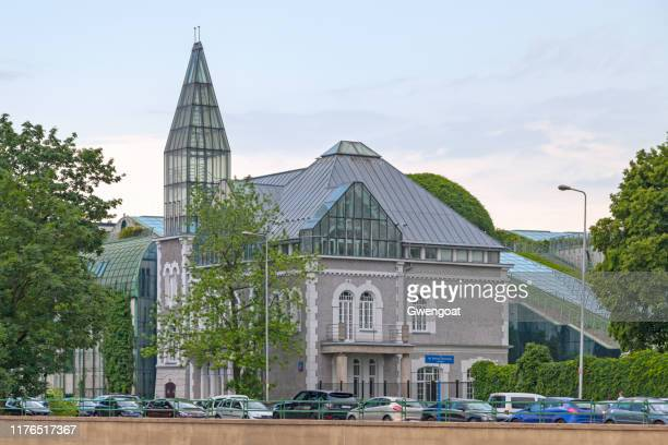collegium iuridicum iv cezary berezowski in warsaw - gwengoat stock pictures, royalty-free photos & images