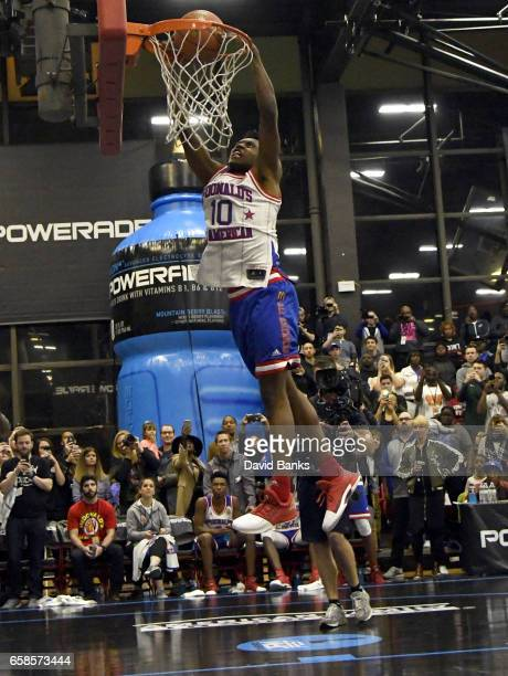 Collin Sexton dunks during the 2017 McDonald's All American games POWERADE Jam Fest on March 27 2017 at the Illinois Institute of Technology in...