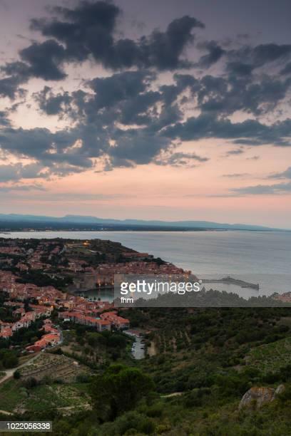 collioure at sunset - famous historic village in south of france (languedoc-roussillon) - collioure photos et images de collection