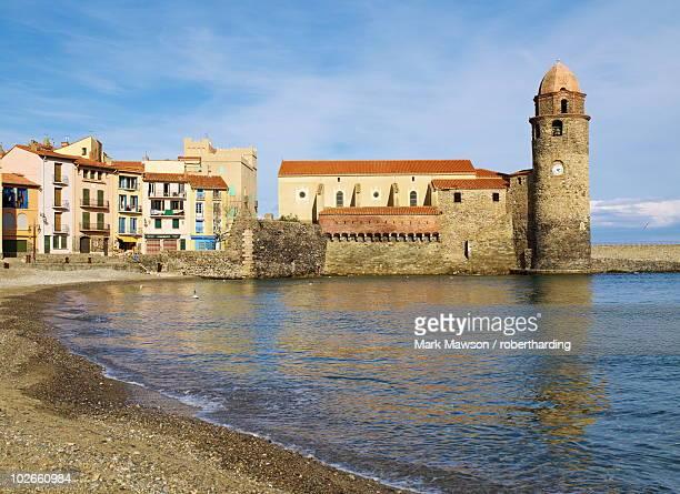 collioure, cote vermeille, languedoc coast, roussillon, pyrenees-orientales, france, mediterranean, europe - collioure photos et images de collection