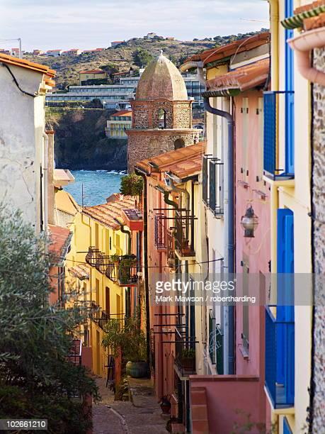 collioure, cote vermeille, languedoc coast, roussillon, pyrenees-orientales, france, europe - collioure photos et images de collection