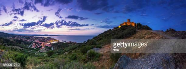 collioure - famous historic village in south of france (languedoc-rousillon) - collioure photos et images de collection