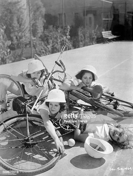 Collision entre des concurrentes pratiquant le polo à bicyclette le 27 février 1932.